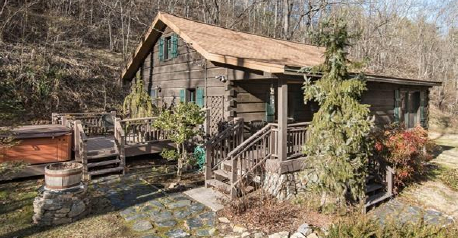 Beautiful Cottage For Sale in North Carolina Click Below For Details.